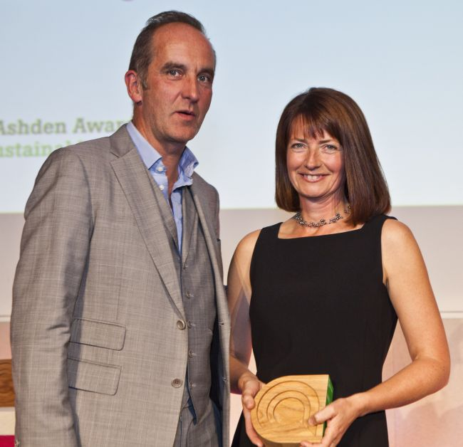 Fiona with Kevin McCloud, presenting her with the Ashden Award for Behaviour Change 2011.