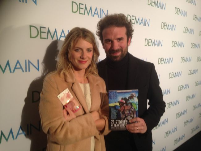 Mélanie Laurent and Cyril Dion (note £21 Totnes Pound note).