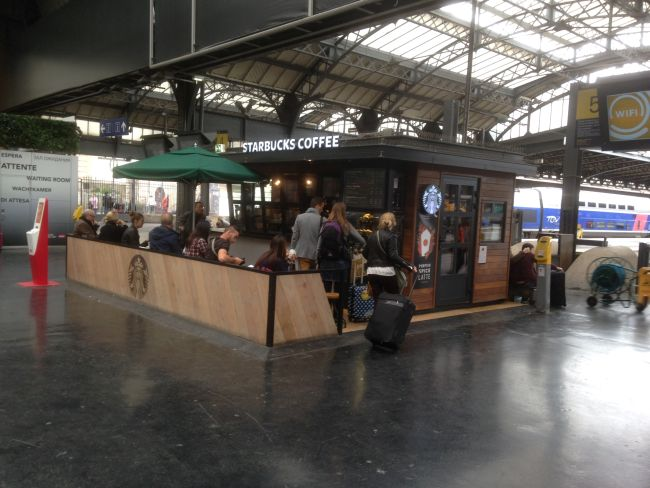 Gare de l'Est. The small Starbucks.
